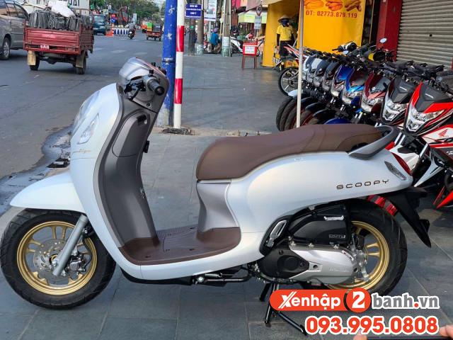 Scoopy smartkey trắng mâm đồng 2021 - 1