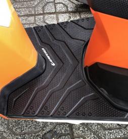 Thảm lót chân cao su cho Vario mẫu mới